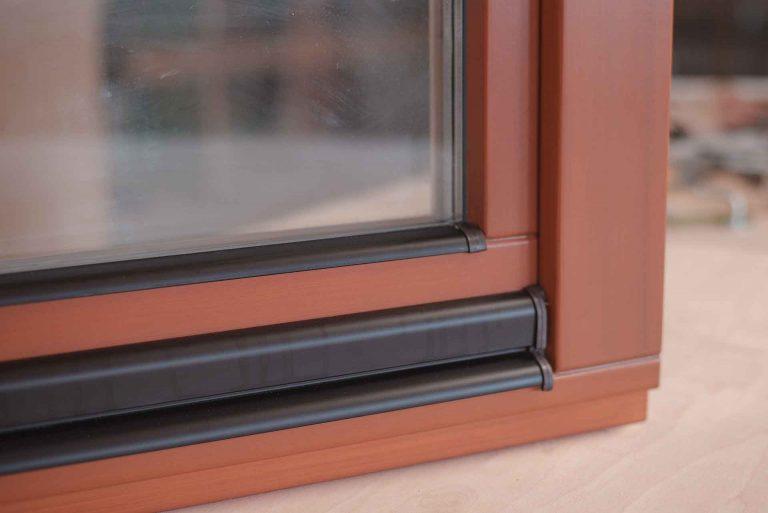 Деревянное окно водоотливной профиль